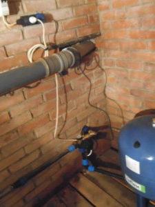 Компания Сансейтехник Водоснабжение через подвал